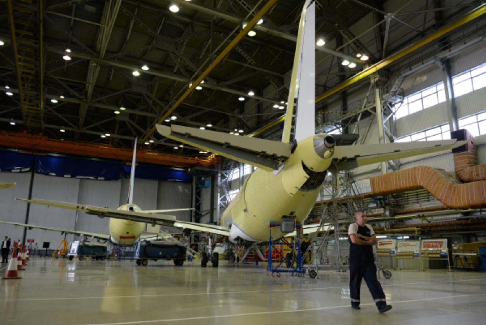 СМИ: Экс-главу компании-разработчика Sukhoi SuperJet 100 объявили в международный розыск