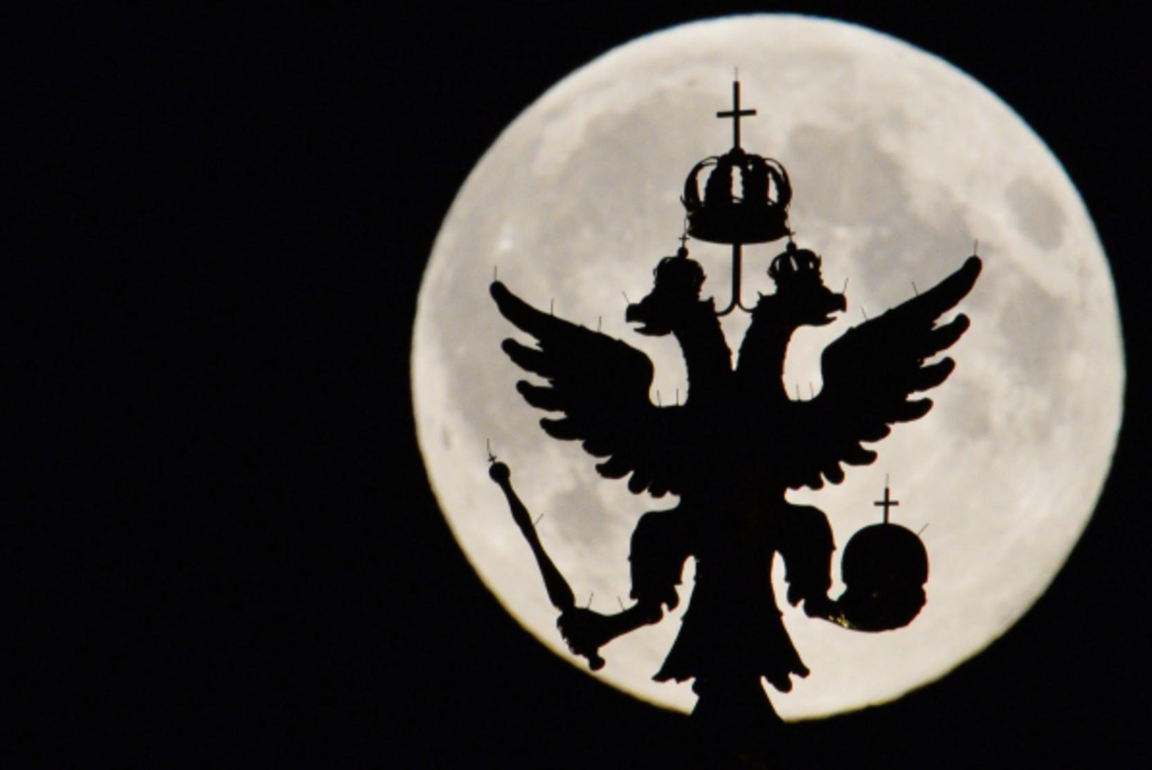 Россияне увидят редкое лунное затмение