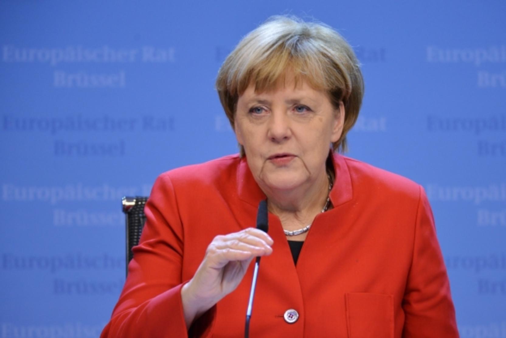СМИ: Меркель предложила провести встречу лидеров ЕС и Путина