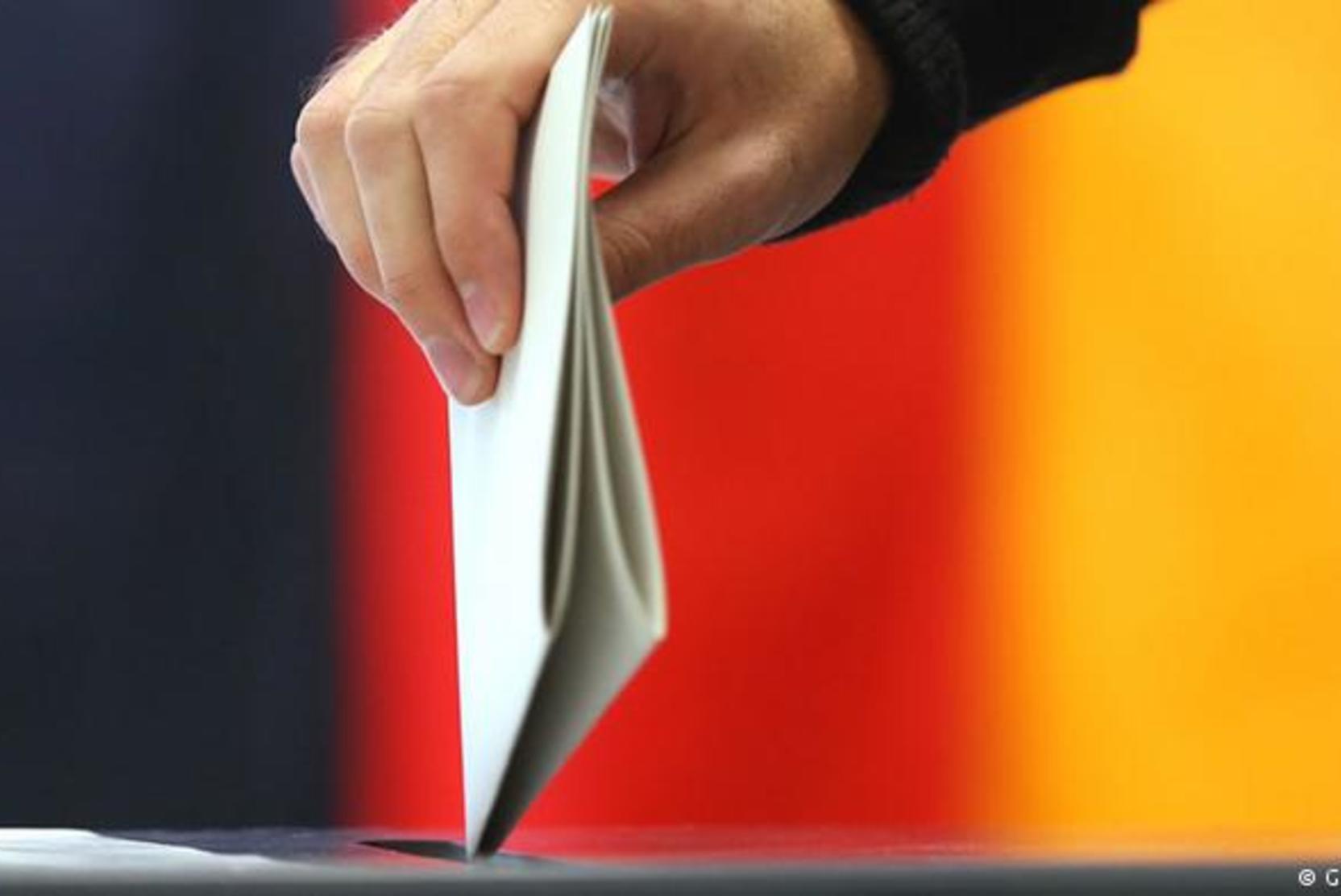 СМИ: В Берлине начался дефицит бюллетеней на избирательных участках