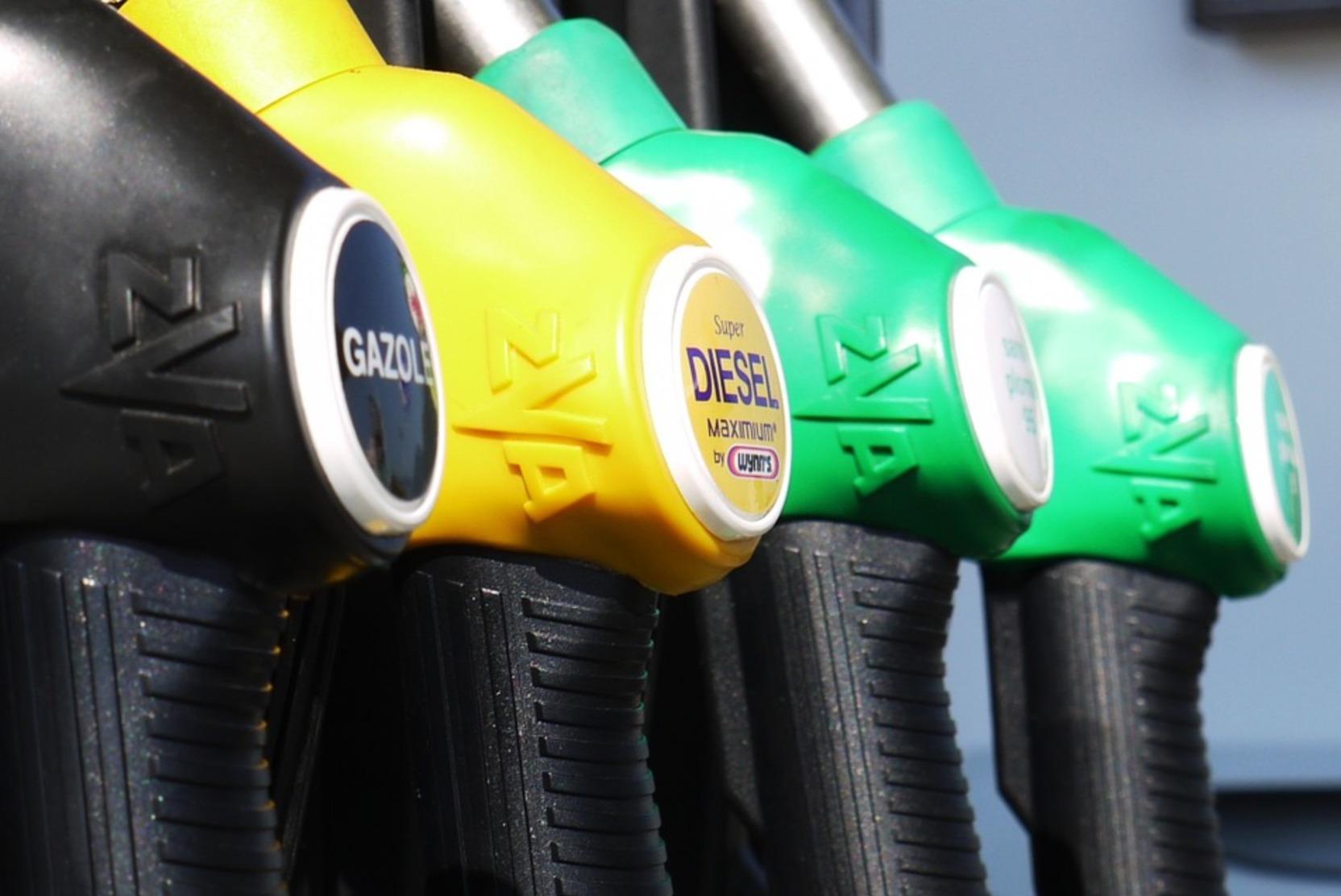 Бензин на АЗС с начала года подорожал сильнее, чем за весь 2020 год