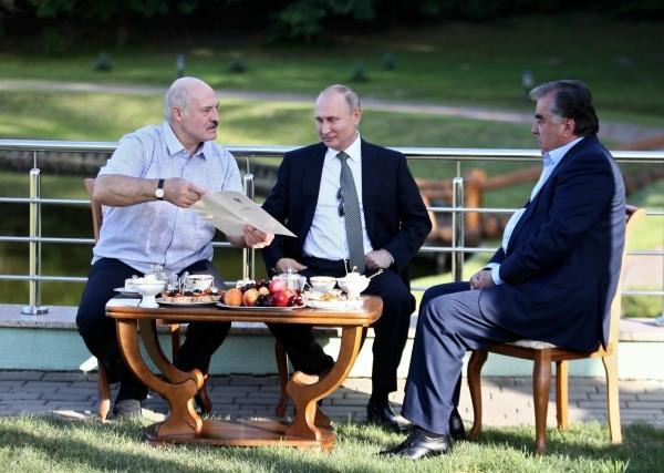 Путин и Рахмон обсудят конфликт Киргизии и Таджикистана
