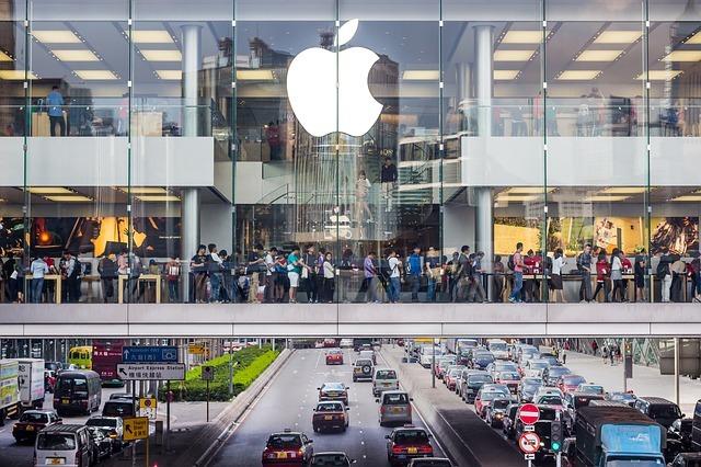 Стали доступны обновленные операционные системы для iPhone, iPad и Apple Watch