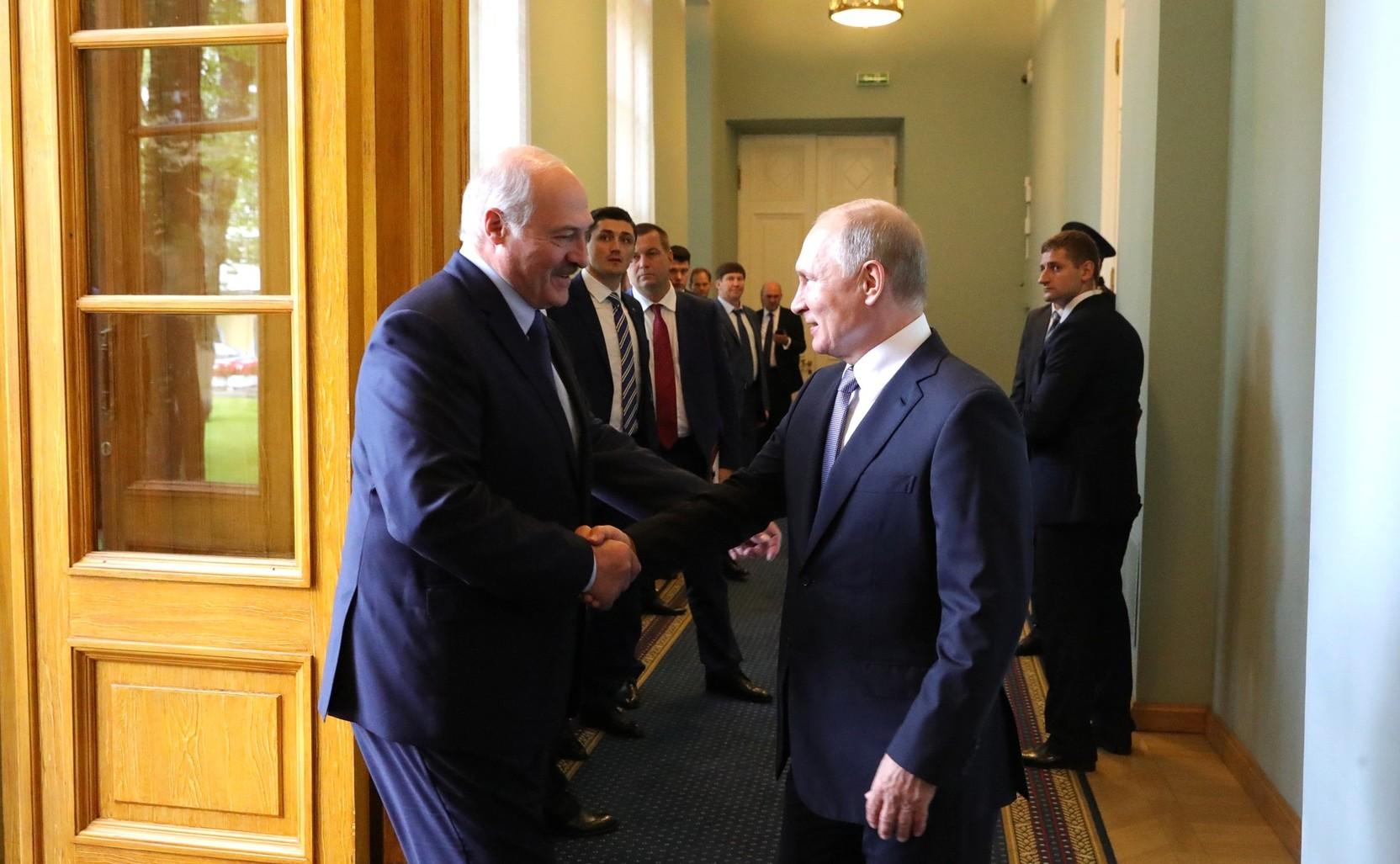 Путин и Лукашенко проведут завтра переговоры в Москве
