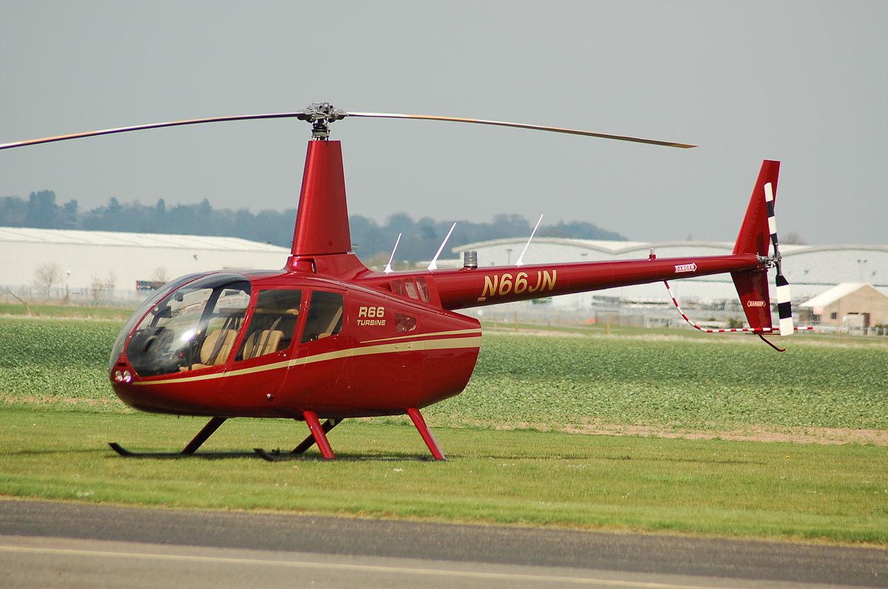 Сложнее раза в три. Пилот сравнил частный вертолет с автомобилем