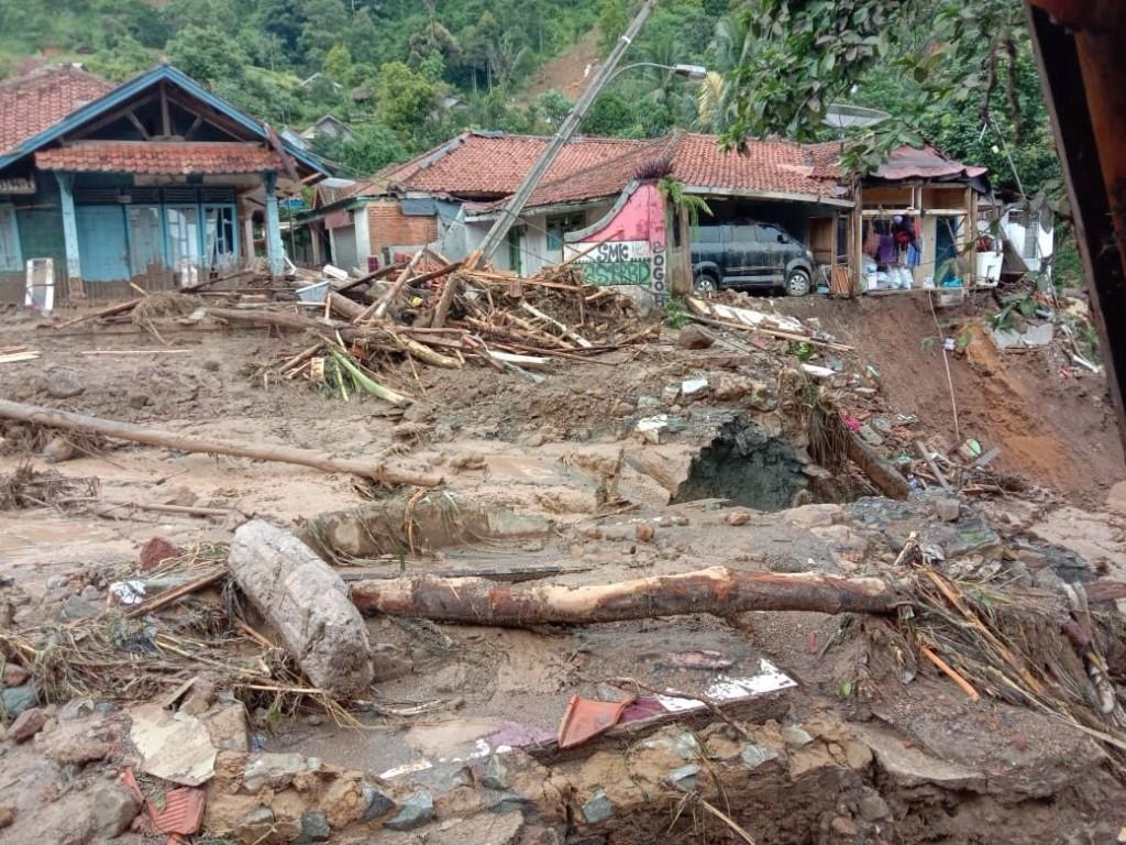 На востоке США более 20 человек погибли из-за наводнения