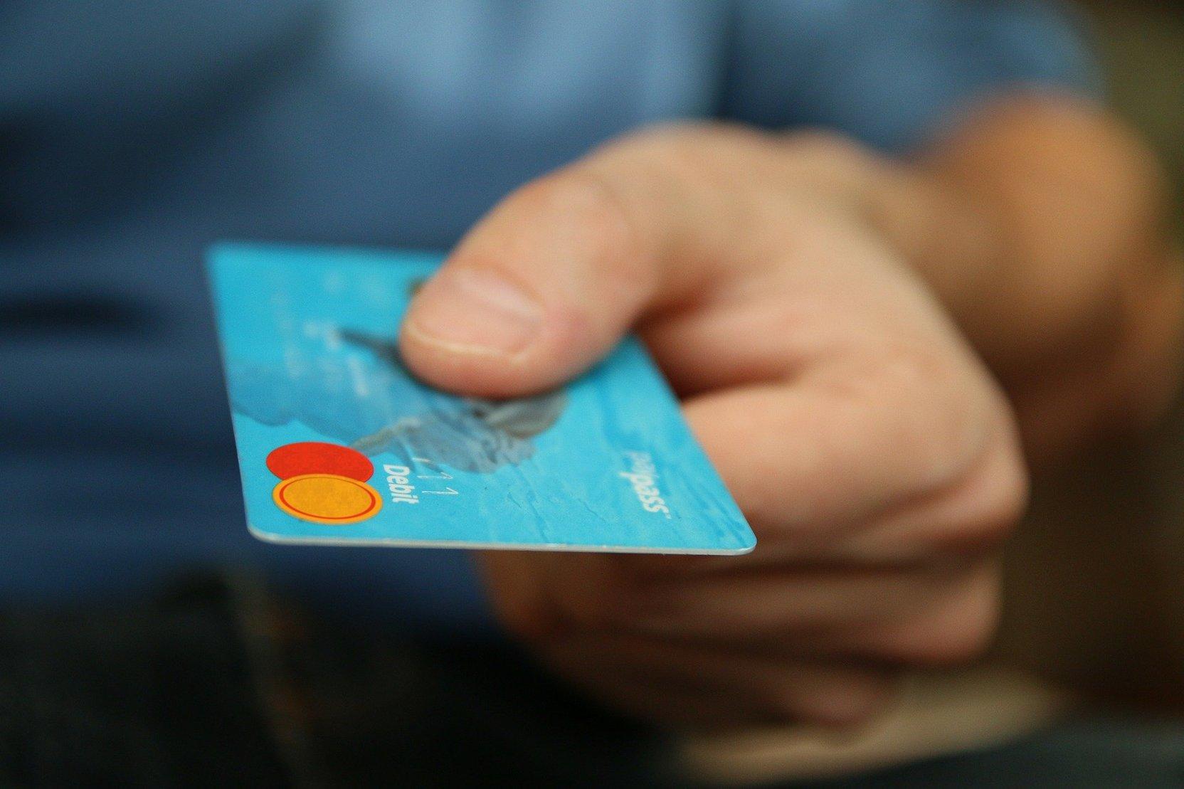 Мошенники придумали новый способ краж средств с банковских карт россиян