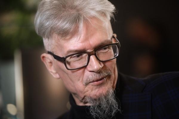 Эдуарду Лимонову установили памятник на Троекуровском кладбище