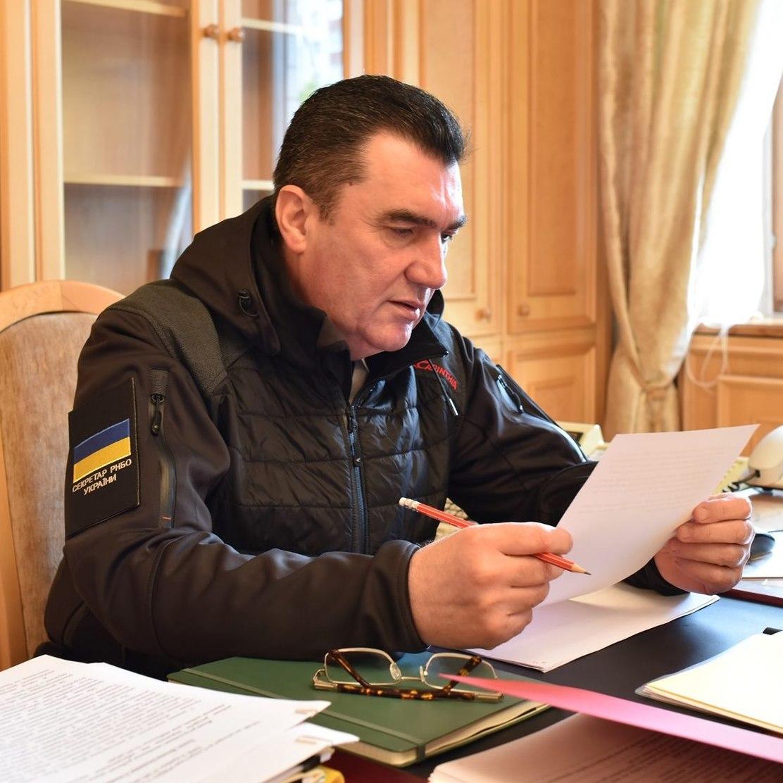 В СНБО Украины приняли решение военного содержания по ситуации с Крымом
