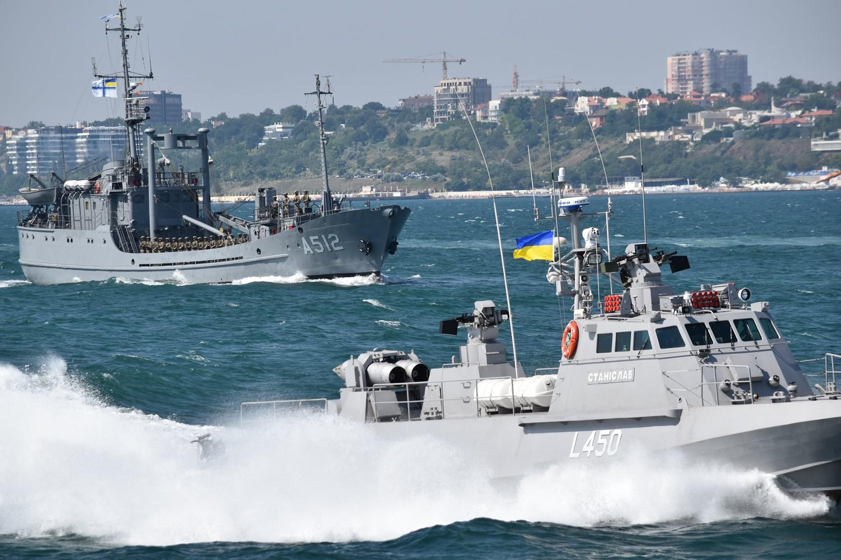 ВМС Украины провели учения в Черном море с американским кораблем береговой охраны