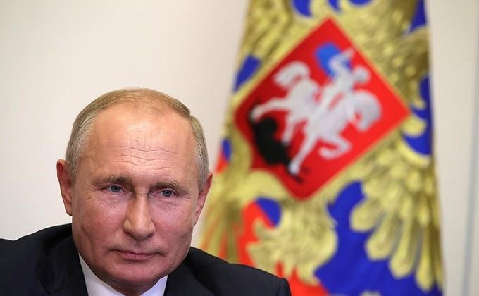 Путин назначил Медведева главой комиссии по защите от новых инфекций