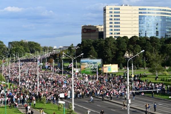 Милиция Минска применила против пенсионеров газ и светошумовые патроны