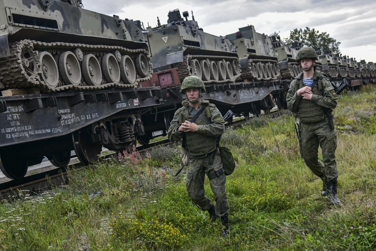 СМИ: Власти США заявили о наращивании российских войск на границе с Украиной