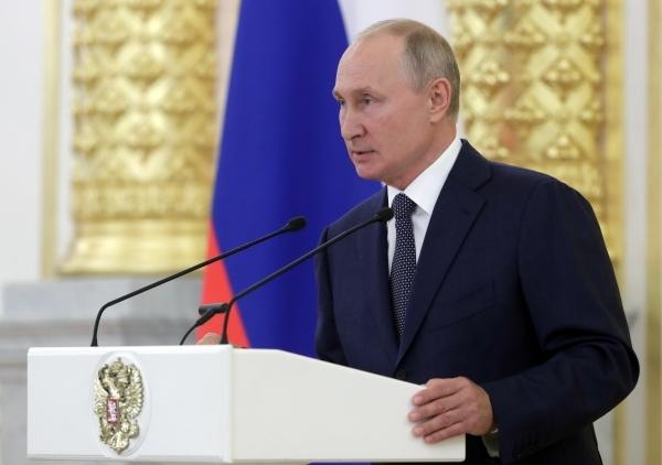 СМИ: Путин может возглавить список Единой России на выборах в Госдуму