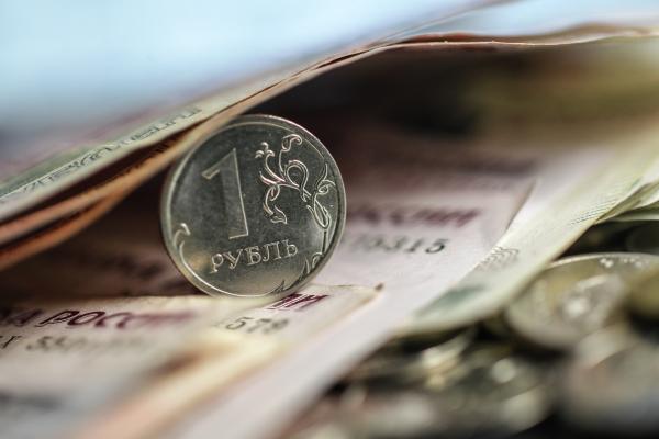 На пособия семьям с детьми от трех до семи лет направят почти 960 млрд рублей