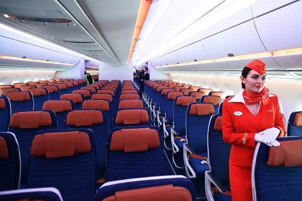 Стюардесса раскрыла способ мести грубым пассажирам