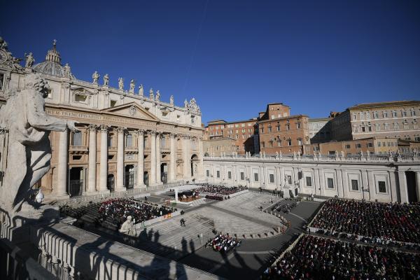 Размахивавшего ножом мужчину задержали в Риме