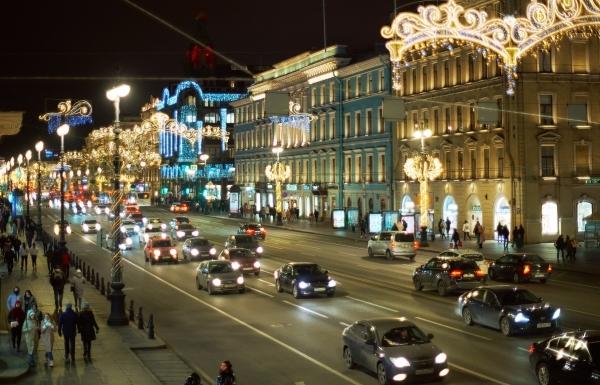 Власти Петербурга заявили о возможном компромиссе по работе общепита