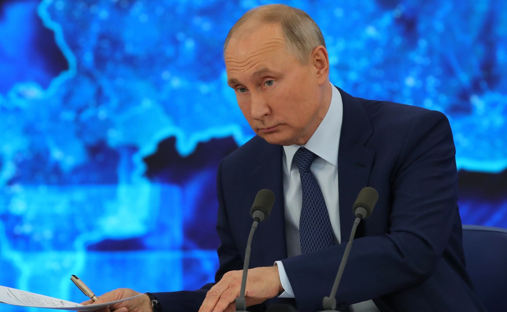 Путин призвал своевременно реагировать на необоснованный рост цен на жилье