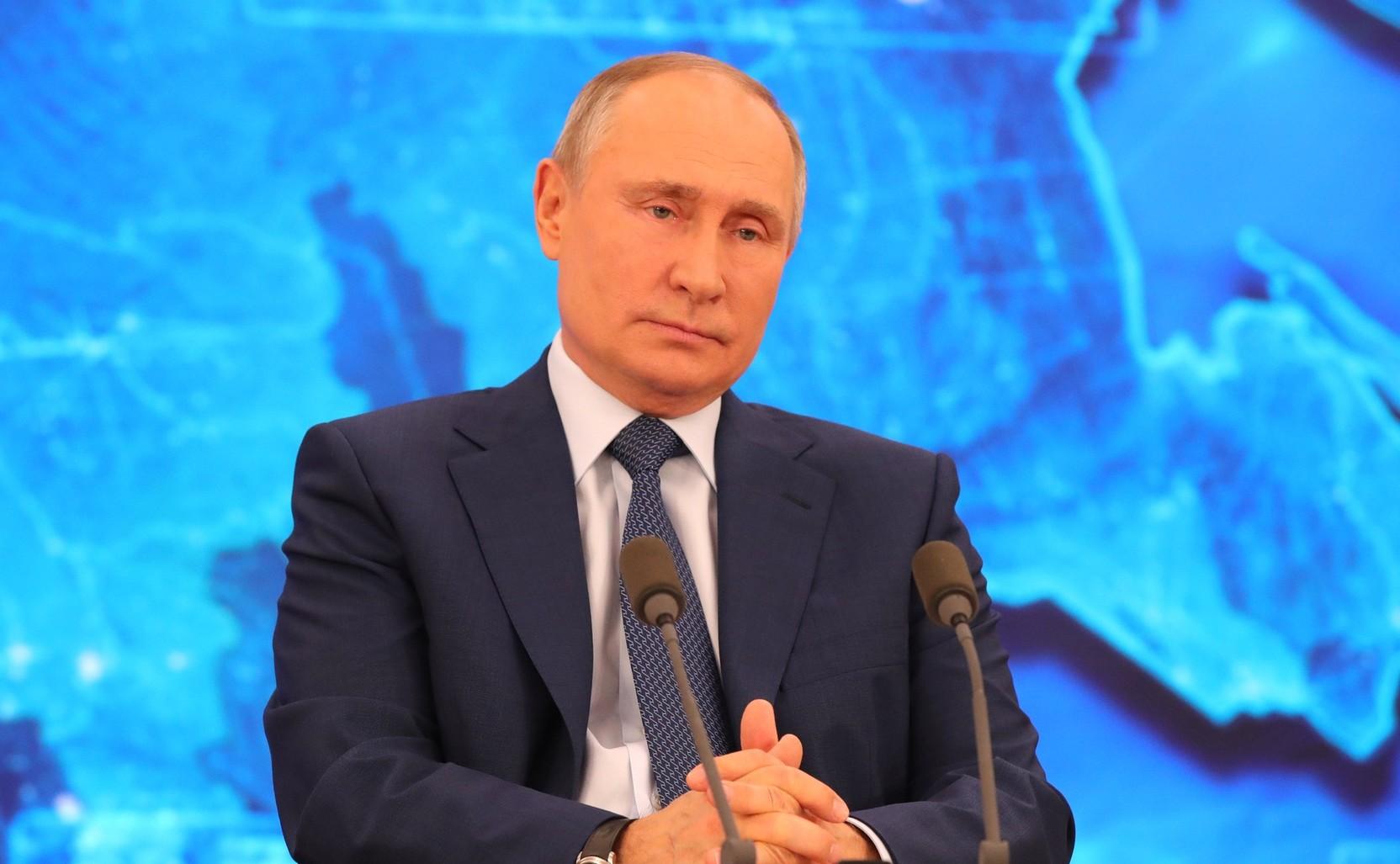 Путин поручил кабмину сохранить финансирование кинематографии на уровне 2019 года