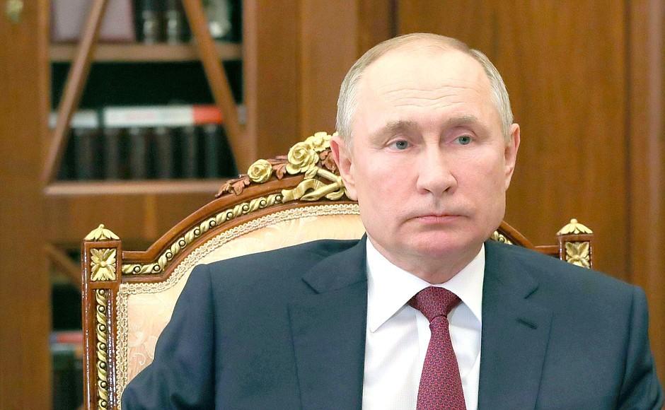 Путин присвоил 12 российским городам звание Город трудовой доблести