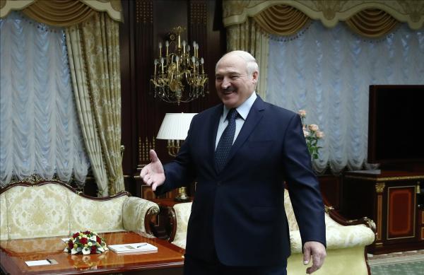 Лукашенко заявил, что сообщение о минировании самолета поступило из Швейцарии