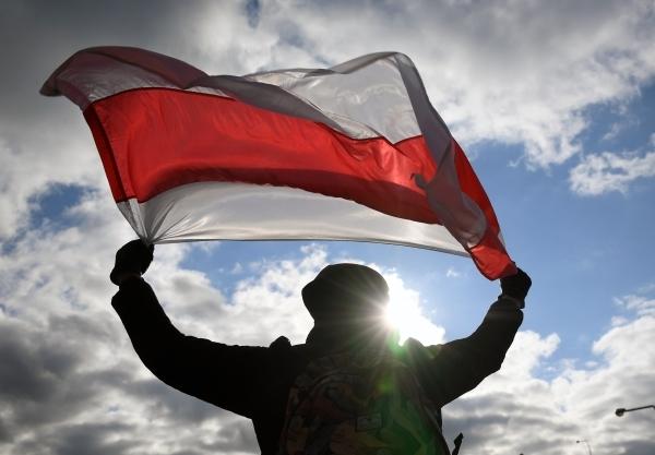 Власти Белоруссии задержали более 20 человек за оскорбление погибших пилотов