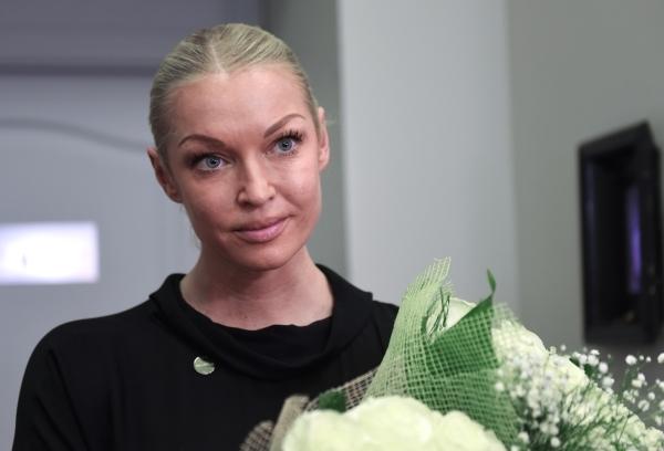 Волочкова назвала позорищем игру Бузовой во МХАТе