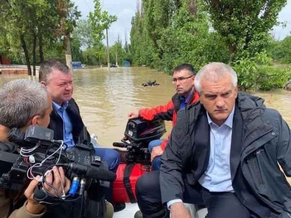 Около 900 человек эвакуировали из-за затопления на востоке Крыма