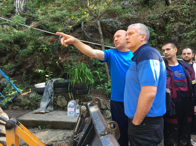 Аксёнов пообещал возобновить водоснабжение Ялты к вечеру субботы