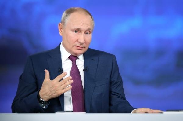 Путин поддержал предложение наградить строителей тоннеля на БАМе