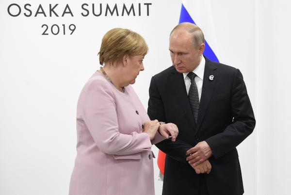 Путин назвал Афганистан одной из приоритетных тем на встрече с Меркель