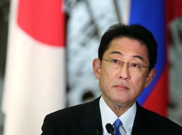 Премьер-министр Японии заявил о намерении встретиться с Байденом