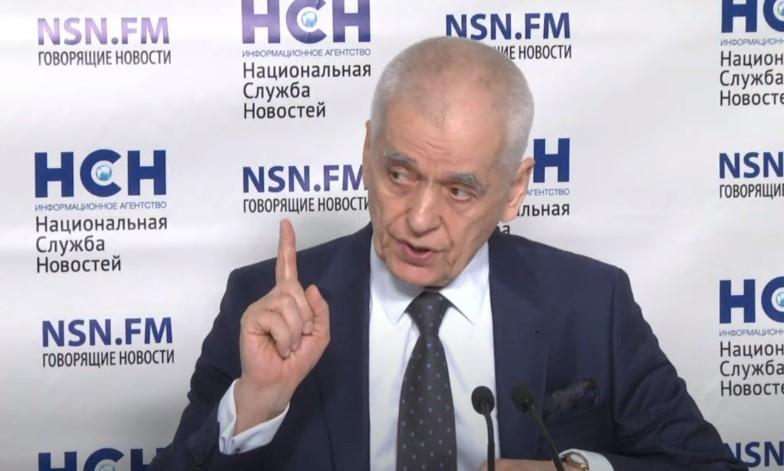 Онищенко: Не надо паниковать из-за распространения коронавируса