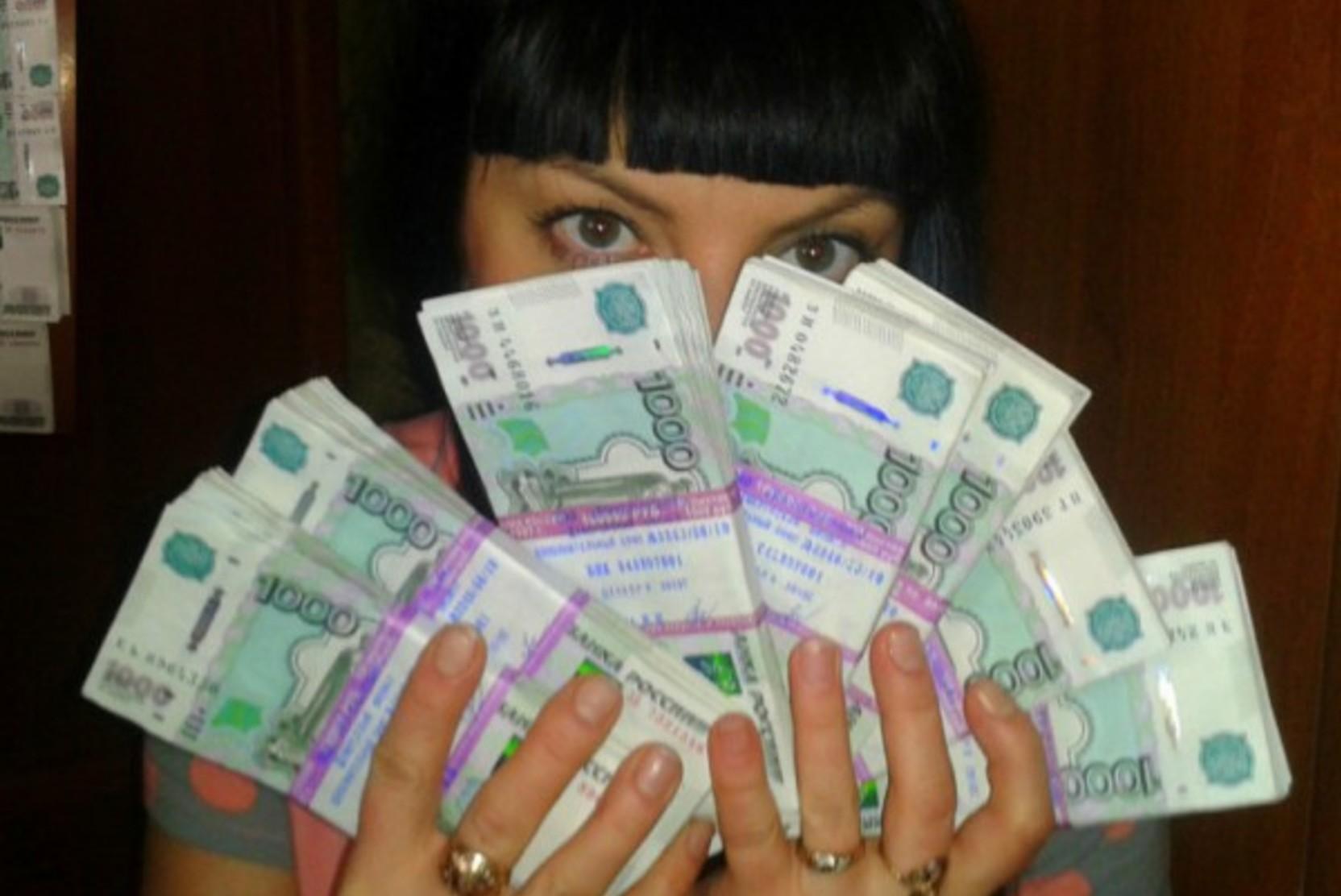 Минздрав рассказал о выплатах победителям розыгрыша среди привитых от COVID-19