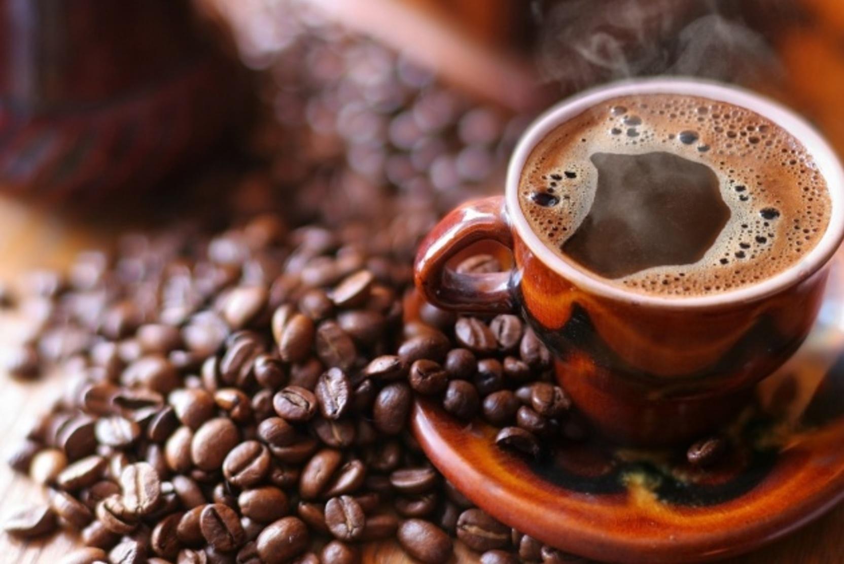 Доктор предупредил об опасности кофе по утрам