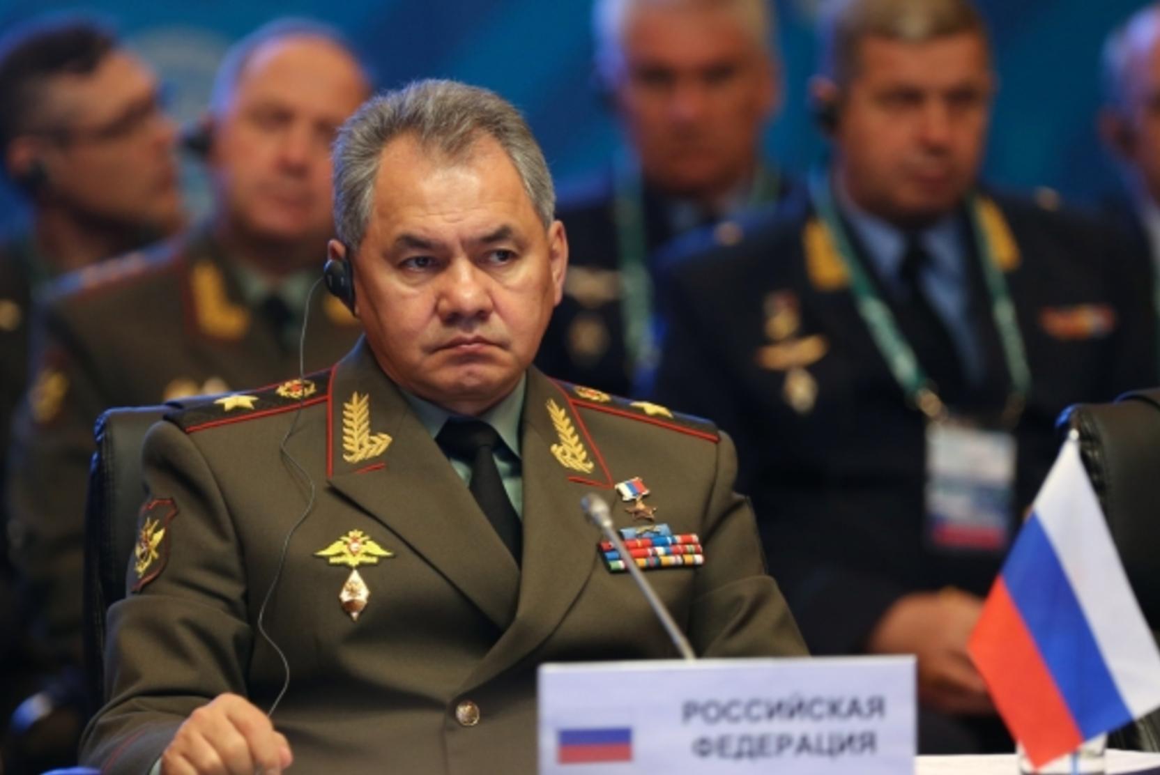 Шойгу заявил о возросшей активности НАТО у границ России